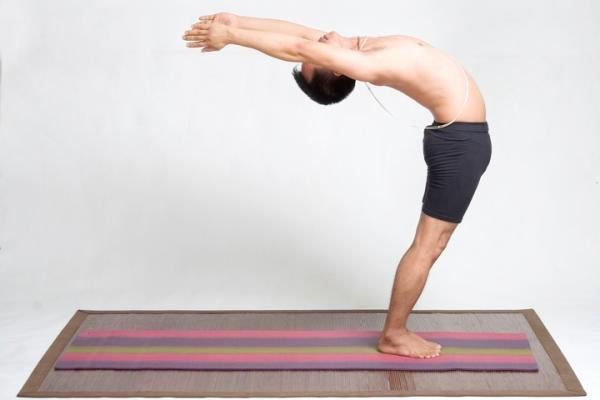 how to fall back into a backbend